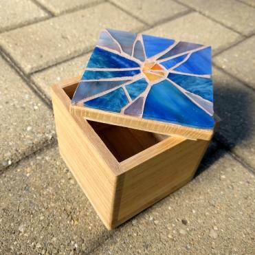 violet mosaic box